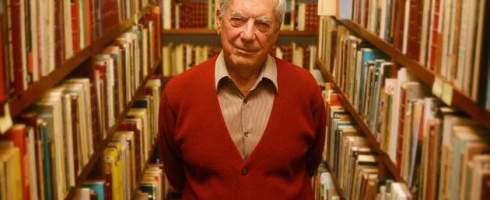 Mario vargas Llosa premiado con el Nobel de Literatura el año 2010, «por su cartografía de las estructuras del poder y sus imágenes mordaces de la resistencia del individuo, su rebelión y su derrota»